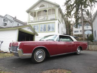 1967 Lincoln Continental Coupe - photo