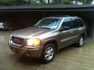 2003 Gmc Envoy Slt Sport Utility 4 - Door 4.  2l photo