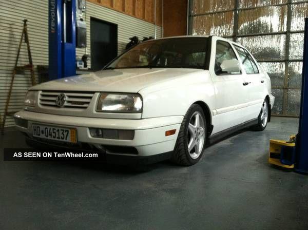 1998 Volkswagen Jetta Glx Sedan 4 - Door 2.  8l Jetta photo