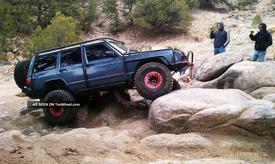 1998 Jeep Cherokee Classic Sport Utility 4 - Door 4.  0l Cherokee photo