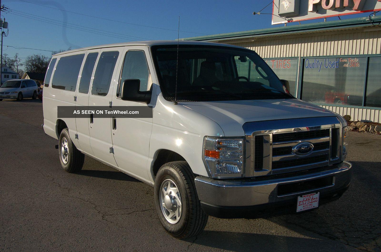 2010 Ford E350 Xlt Sd Ext Wagon Xlt 15 - Passenger Van E-Series Van photo