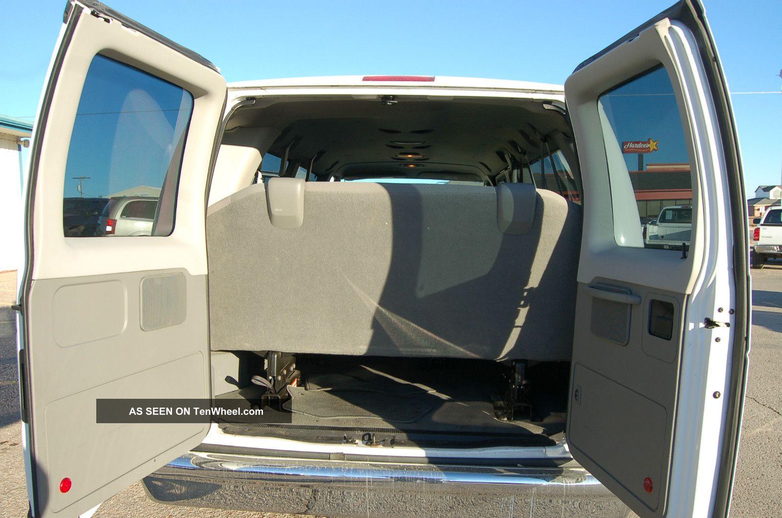2010 Ford E350 Xlt Sd Ext Wagon Xlt 15 Passenger Van