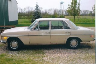 1970 Mercedes 220 Diesel photo