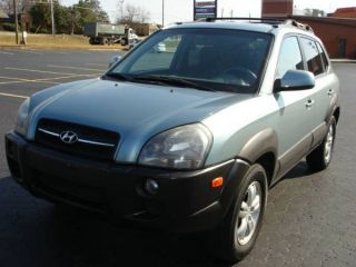 2006 Hyundai Tucson Gls Sport Utility 4 - Door 2.  7l,  Auto photo