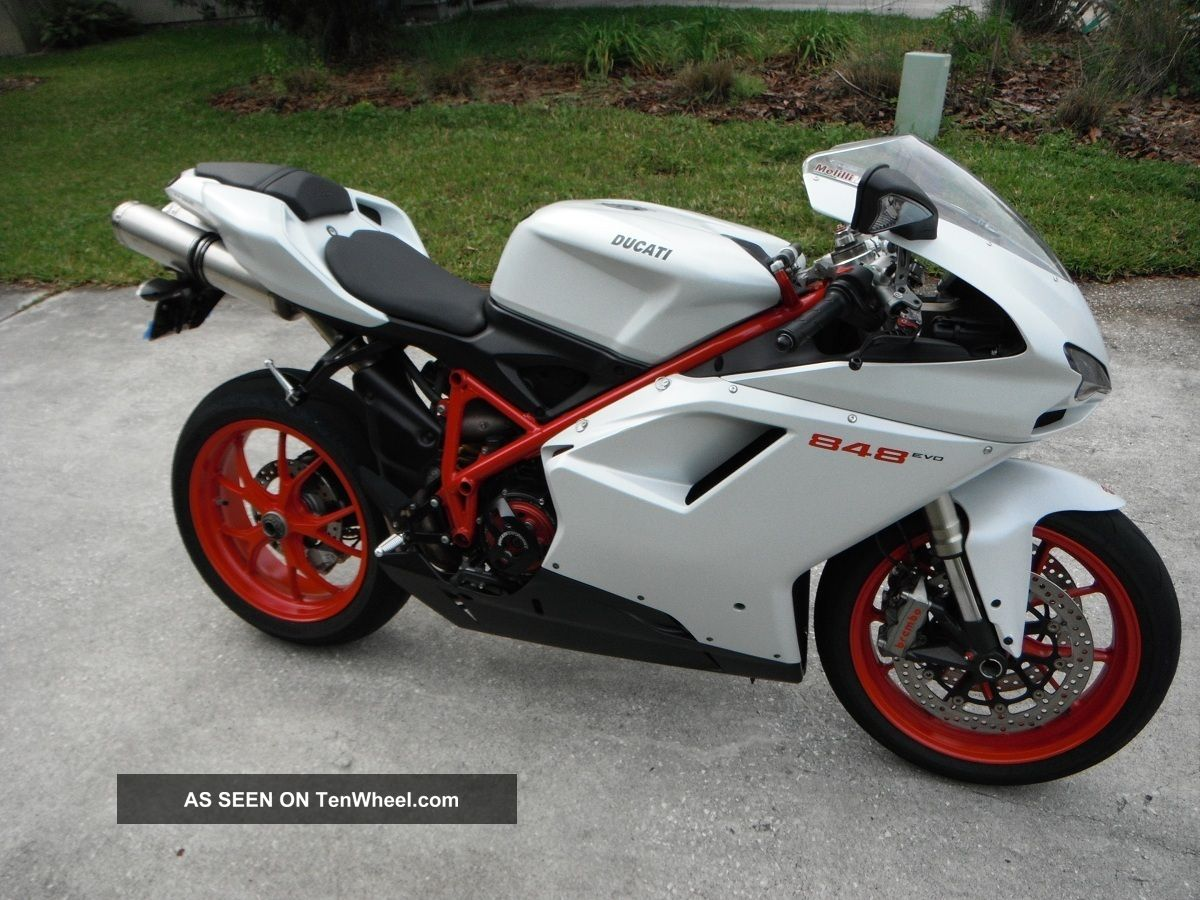 Ducati 848 Evo Superbike 2011 Arctic White Red Frame