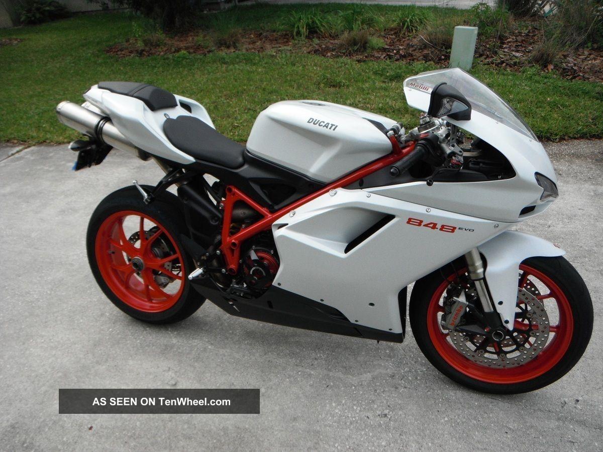 ducati 848 evo superbike 2011 arctic white red frame. Black Bedroom Furniture Sets. Home Design Ideas