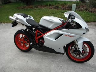 Ducati 848 Evo Superbike - - 2011 Arctic White / Red Frame Wheels photo
