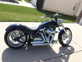 2005 Custom Yamaha Roadstar photo