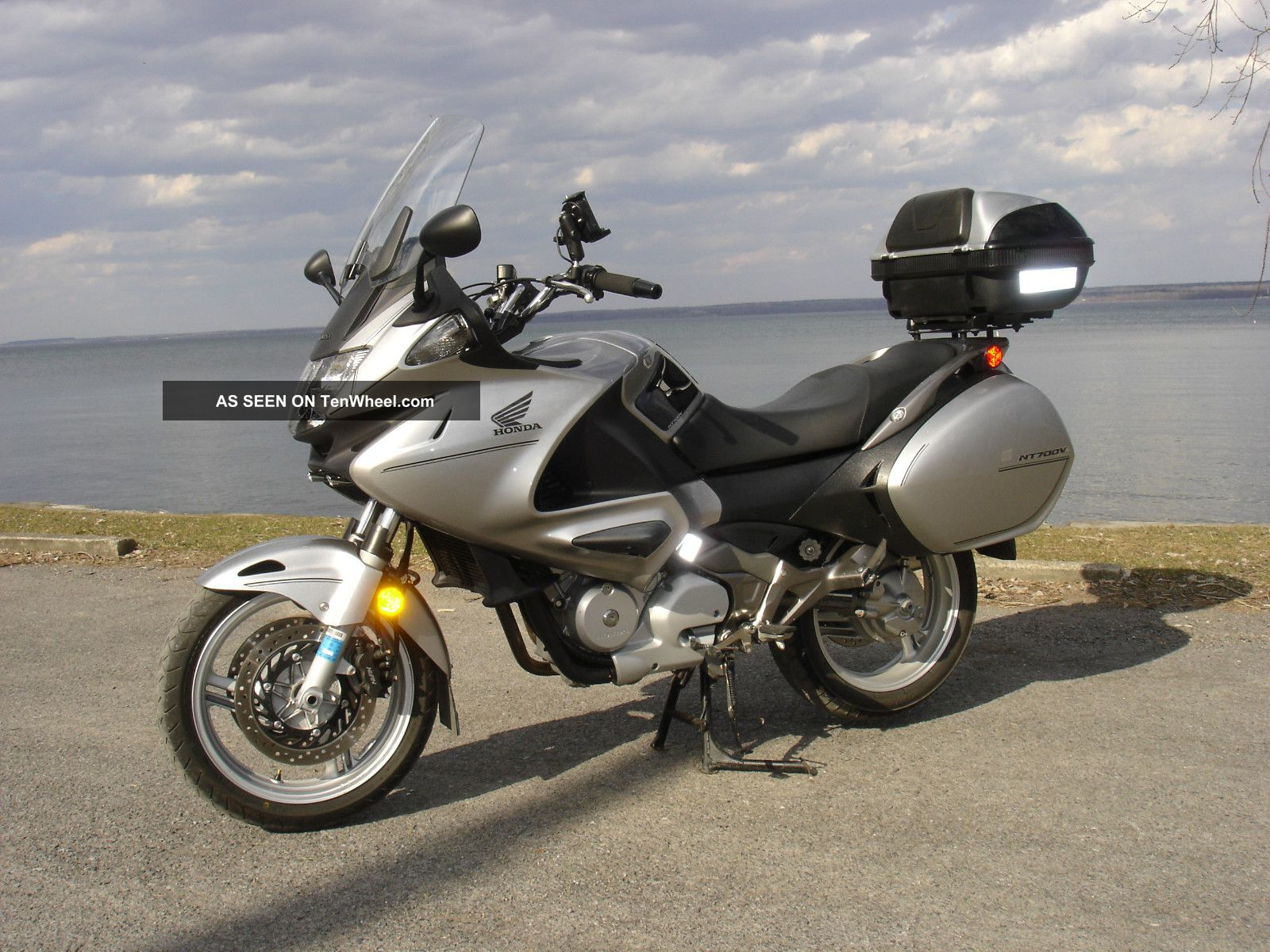 2010 Honda Nt700v Sport Touring Motorcycle
