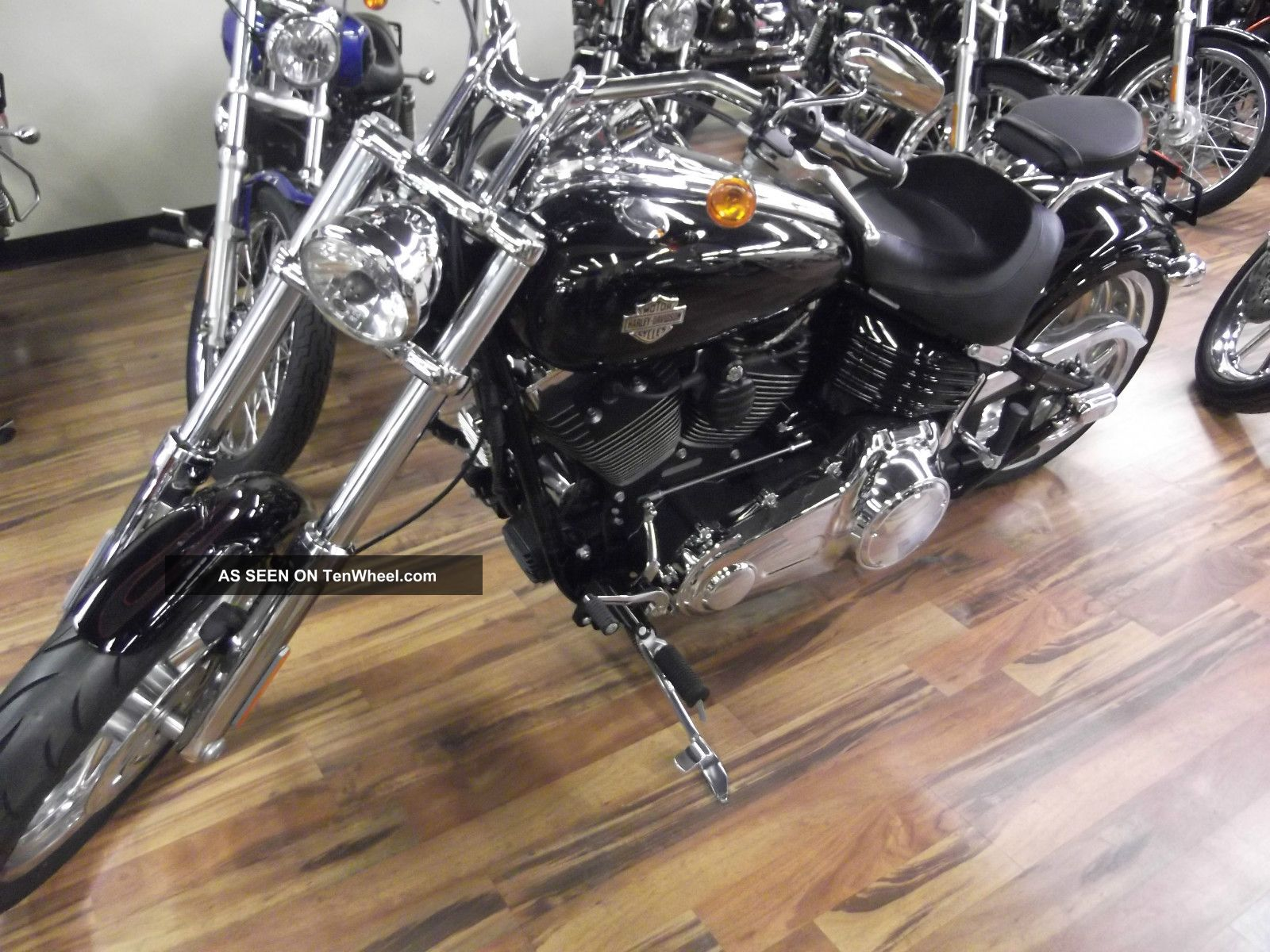 2009 Harley - Davidson Fxcwc Softail® Rocker™ C Softail photo
