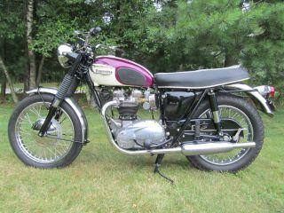 1967 Triumph Bonneville photo