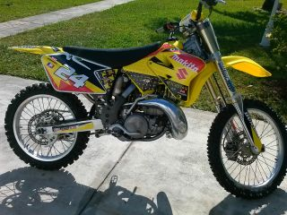 2005 Rm 250 Dirt Bike photo