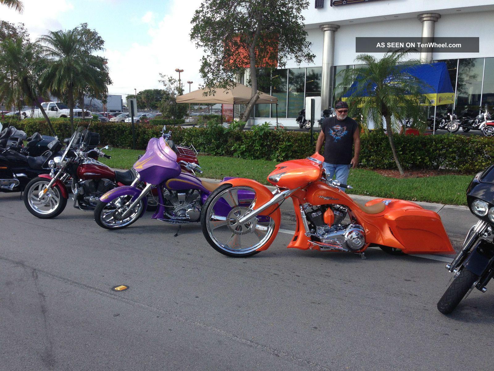 Custom Bagger Harley Who 2006 Yamaha Roadstar 1700