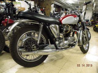 Triumph Bonneville T120 650 Vintage Motorcycle British Bike Classic 1969 photo