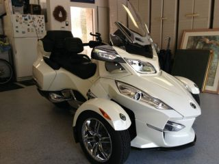 Can - Am Spyder Rt Limited 2012 Pearl White photo