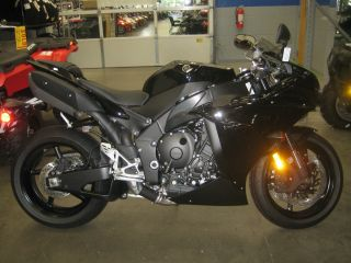 2011 Yamaha Yzf - R1 Motorcycle R1 Sport Bike 1000 R Yzf Liter Rocket photo