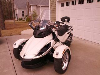 2011 Can - Am Spyder Rs (se - 5) photo