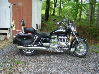 1998 Honda Valkyrie. photo
