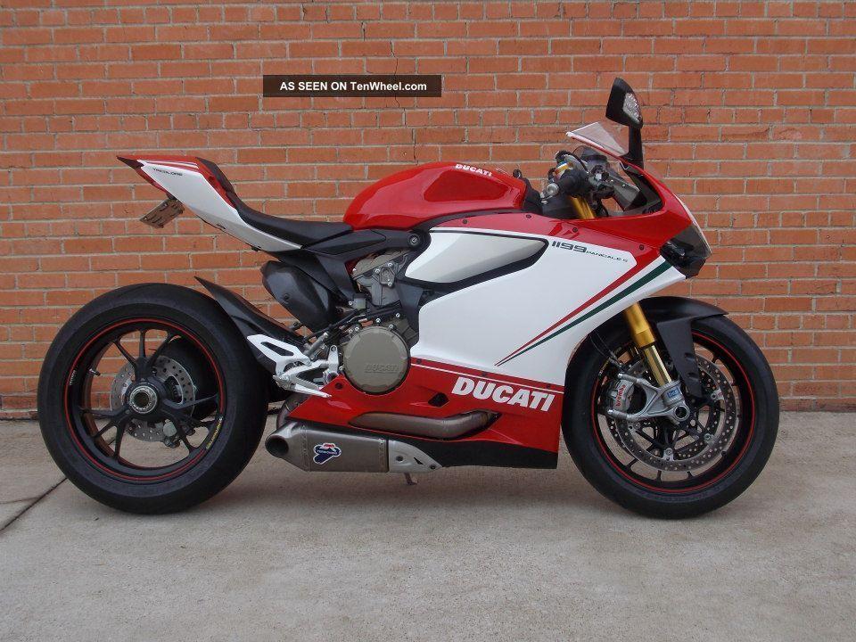2012 1199s Tri Colore Superbike photo
