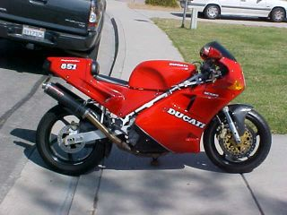 1990 Ducati 851 Superbike photo