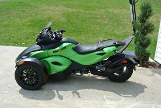 2012 Can - Am® Spyder Rs - S Sm5 photo
