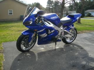 1999 Yamaha R1 1000cc Sweet Bike. . . .  Look photo
