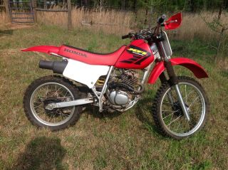 2000 Honda Xr200r 200cc Dirt Bike Storage Deal photo