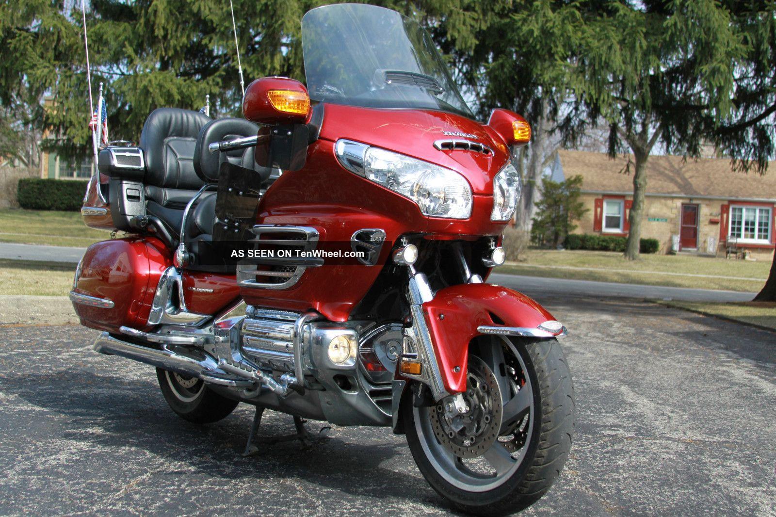 2008 Honda Gold Wing Gl1800 Navi Grips Cb Chrome Fog Lights