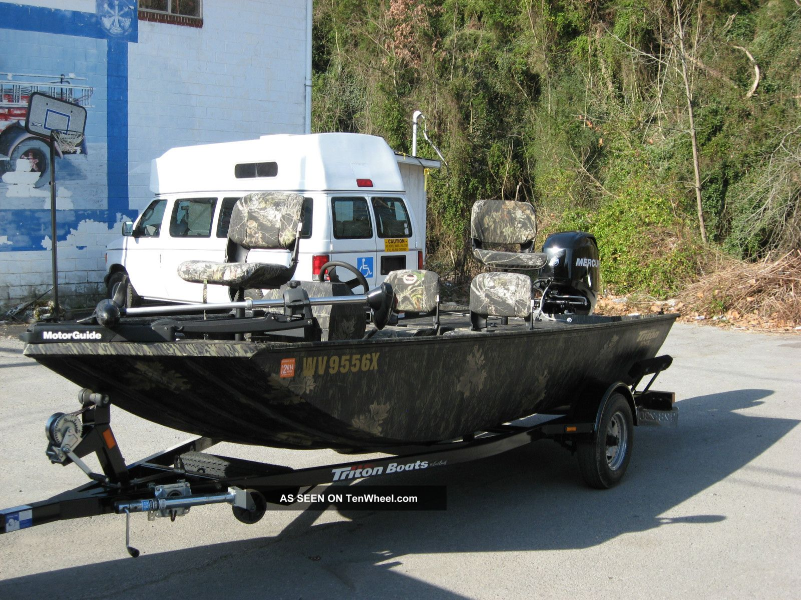 2011 triton 16ft bass boat for Bass fishing boat