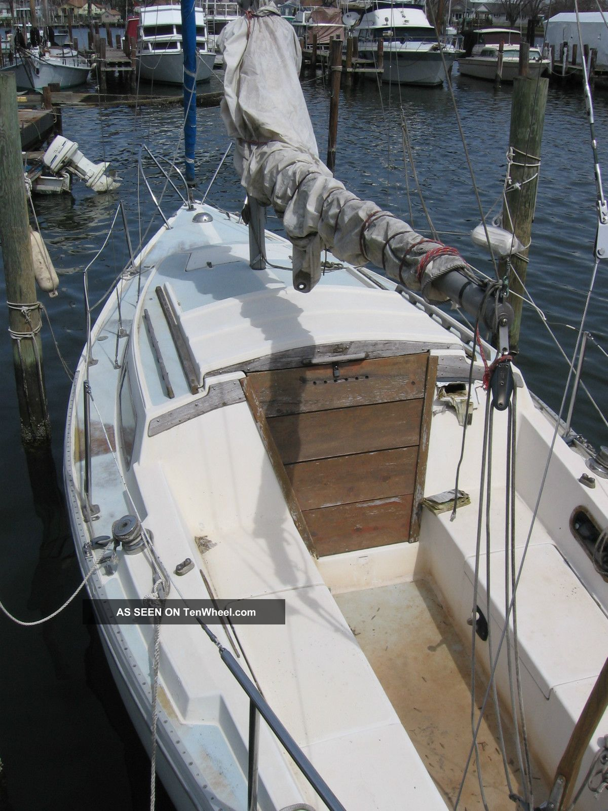 1976 Catalina Sailboats 20-27 feet photo