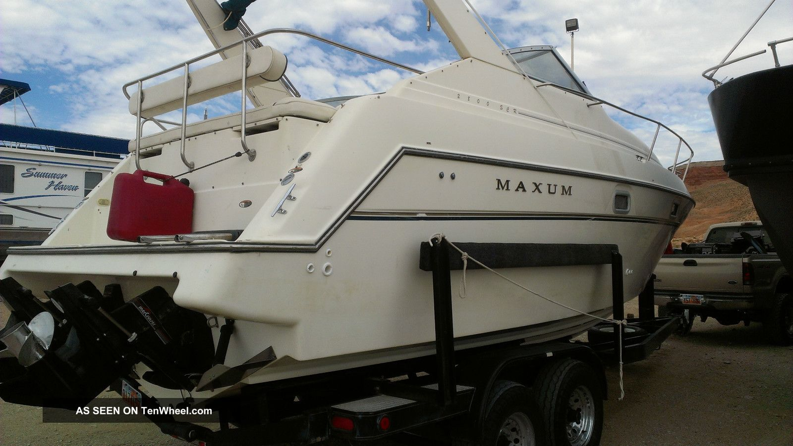 1997 Maxum 2800 Cuddies photo