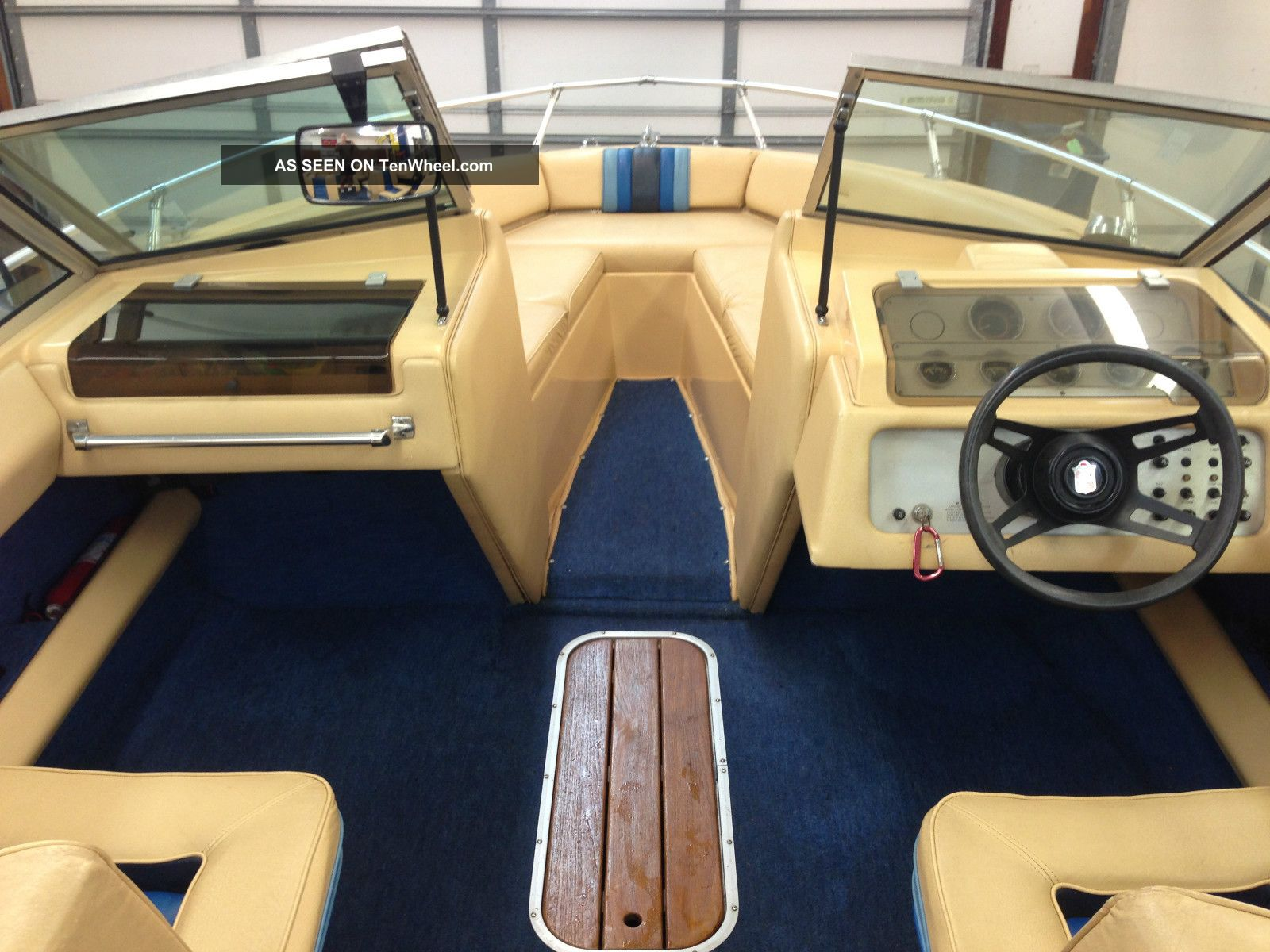 1984 Chris Craft Scorpion 210