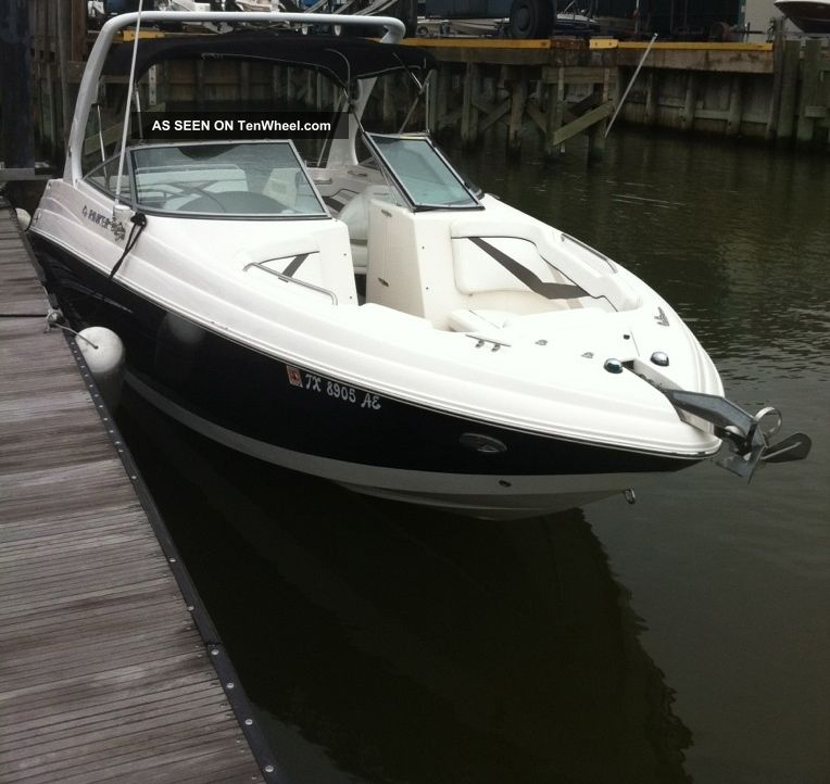 2006 Rinker Captiva Cuddies photo