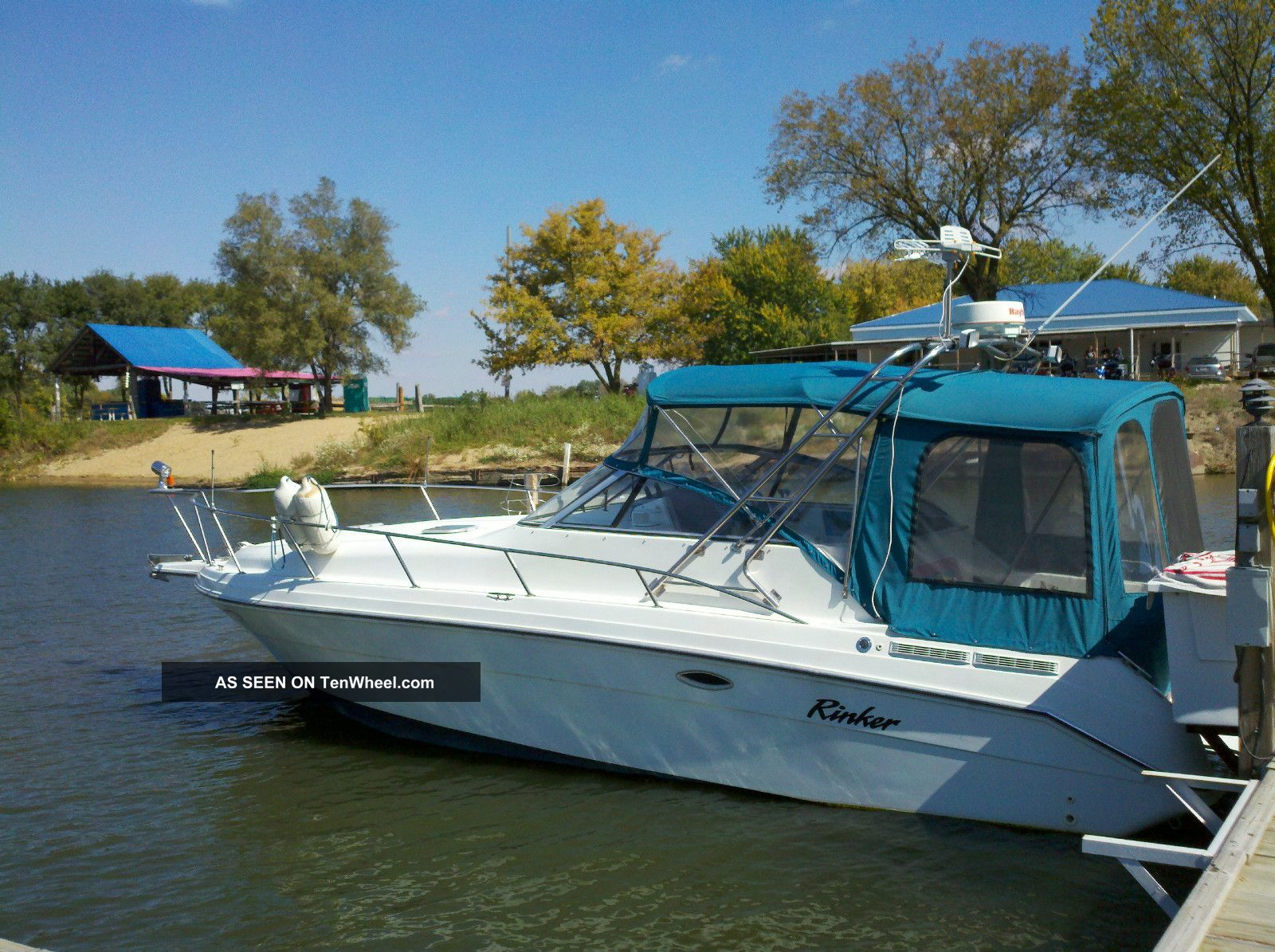 1994 Rinker Fiesta Vee 280 E / C Cruisers photo