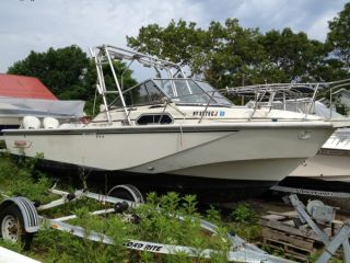 1984 Boston Whaler Whaler 27 photo
