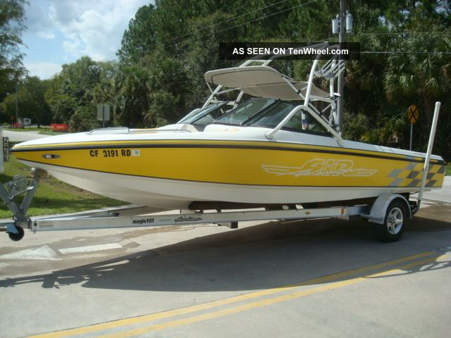2003 Centurion 22 Elite Ski / Wakeboarding Boats photo