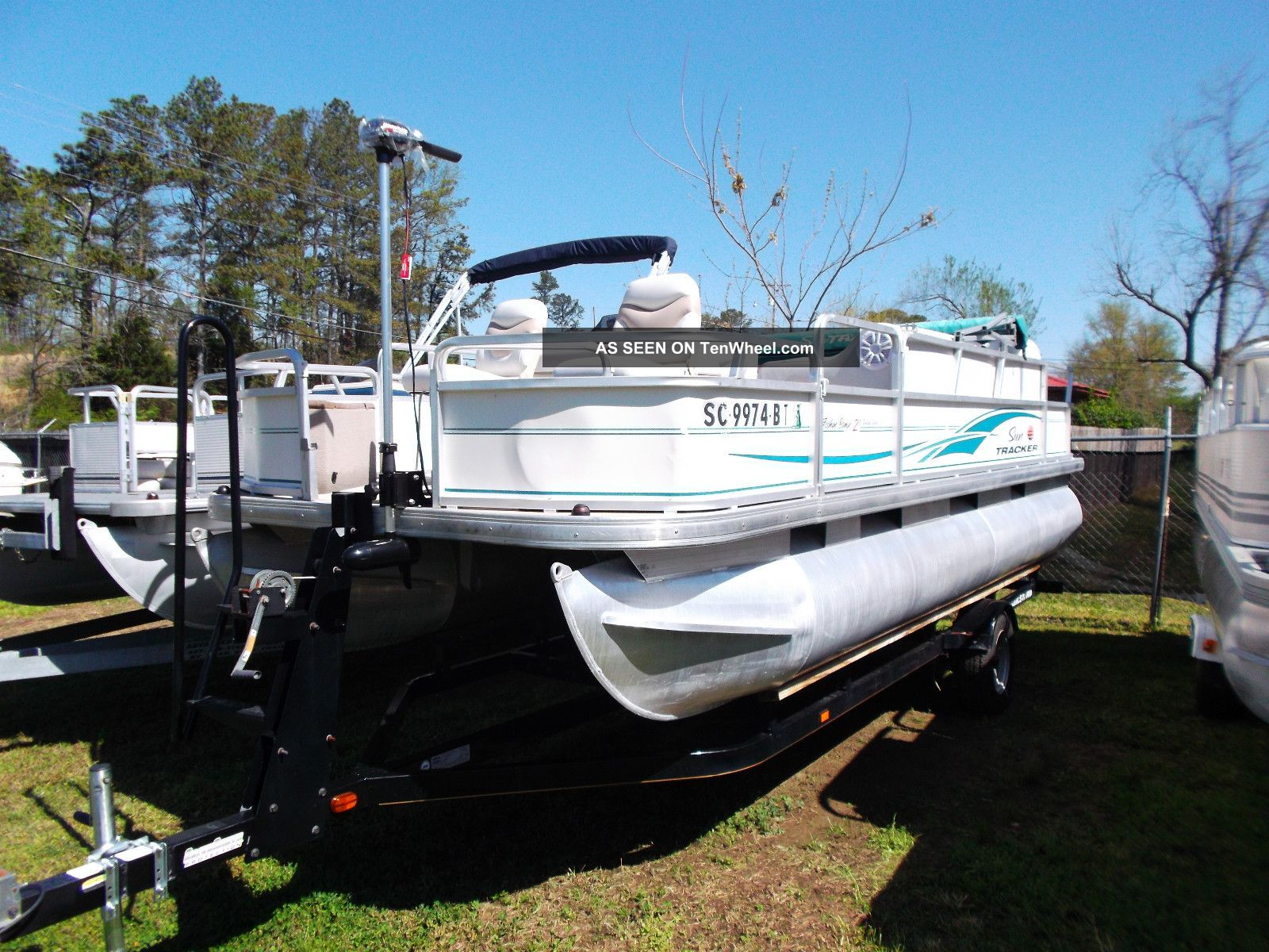 2005 Sun Tracker 21 Coastal Fishing Pontoon / Deck Boats photo