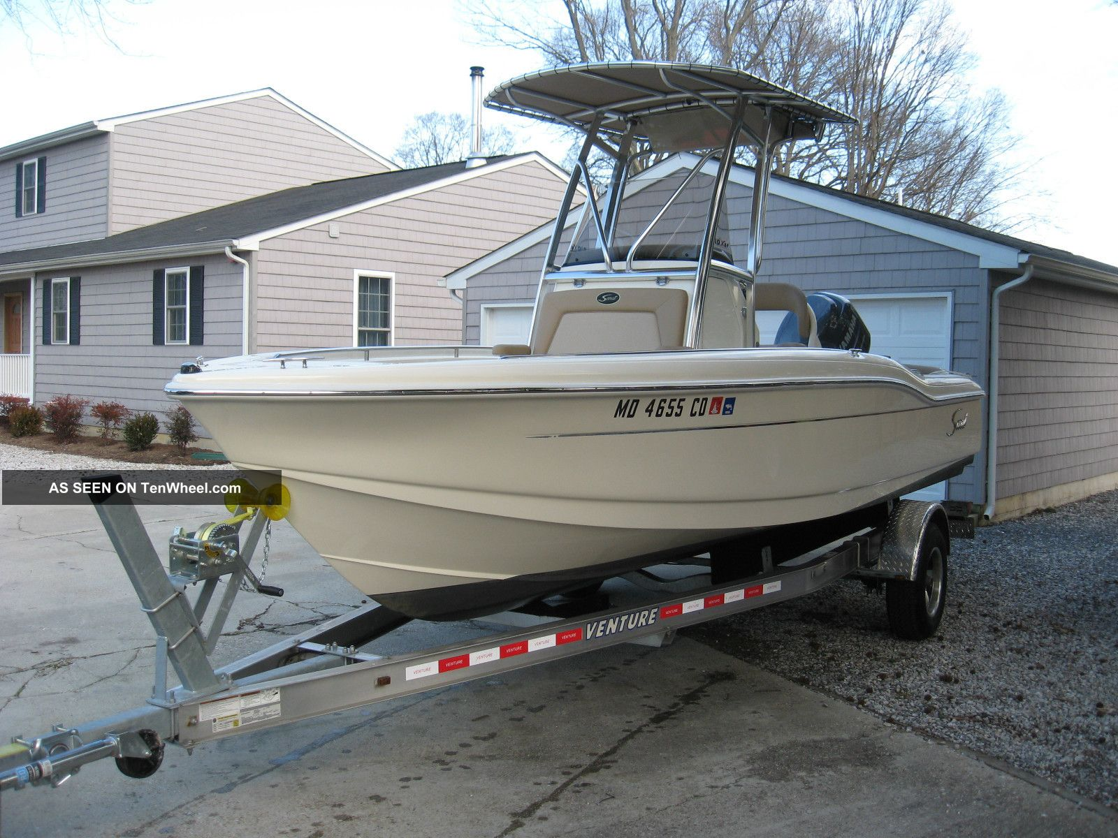 2011 scout boats 210 xsf sportfish for Salt water fishing boats