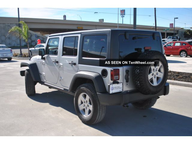 2011 jeep wrangler unlimited rubicon sport utility 4 door 3 8l. Black Bedroom Furniture Sets. Home Design Ideas