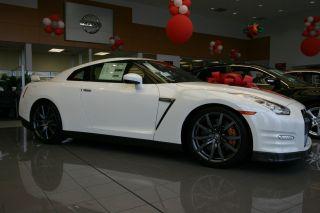 2014 Nissan Gt - R Coupe Premium photo