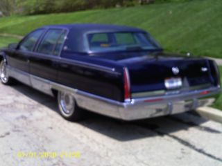 1996 Cadillac Fleetwood Brougham Sedan 4 - Door 5.  7l photo