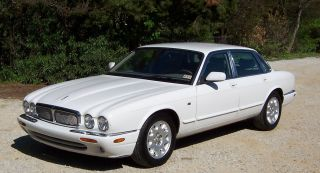 2001 Jaguar Xj8 Sedan Loaded And Inside And Out photo