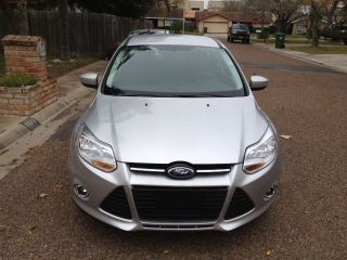 2012 Ford Focus Se Hatchback 4 - Door 2.  0l,  Silver,  4 Cil,  2.  0, . photo