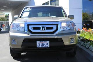 2010 Honda Pilot 2wd 4dr Touring W / Res & Navi Suv - Title Loaded photo