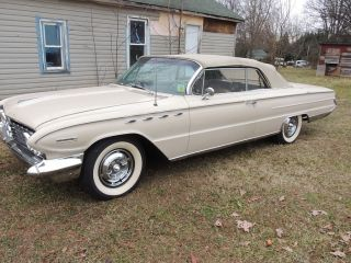 Rare 1961 Buick Electra 225 Convertible Paint,  Never photo