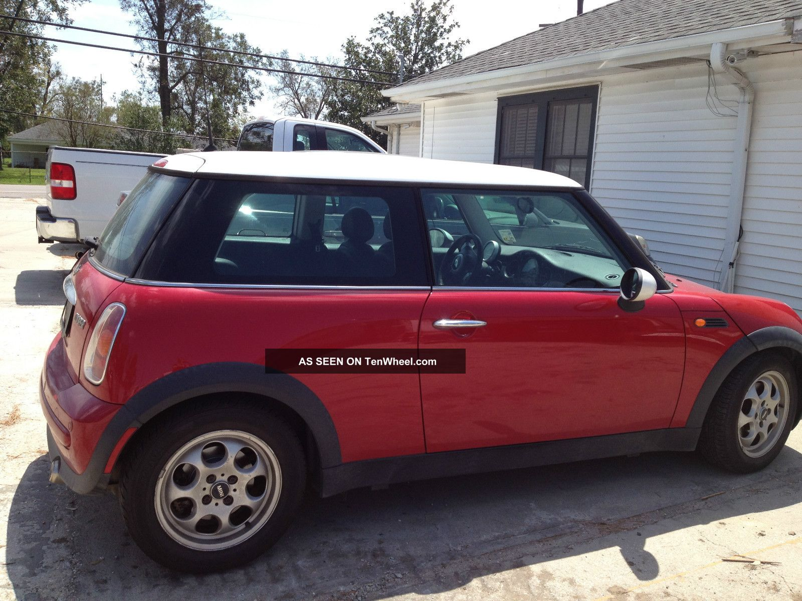 2003 mini cooper base hatchback 2 door 1 6l. Black Bedroom Furniture Sets. Home Design Ideas