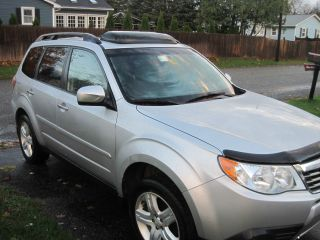 2010 Subaru Forester Limited Edition Crossover photo