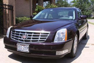 2008 Cadillac Dts 4 - Door 4.  6l Northstar photo