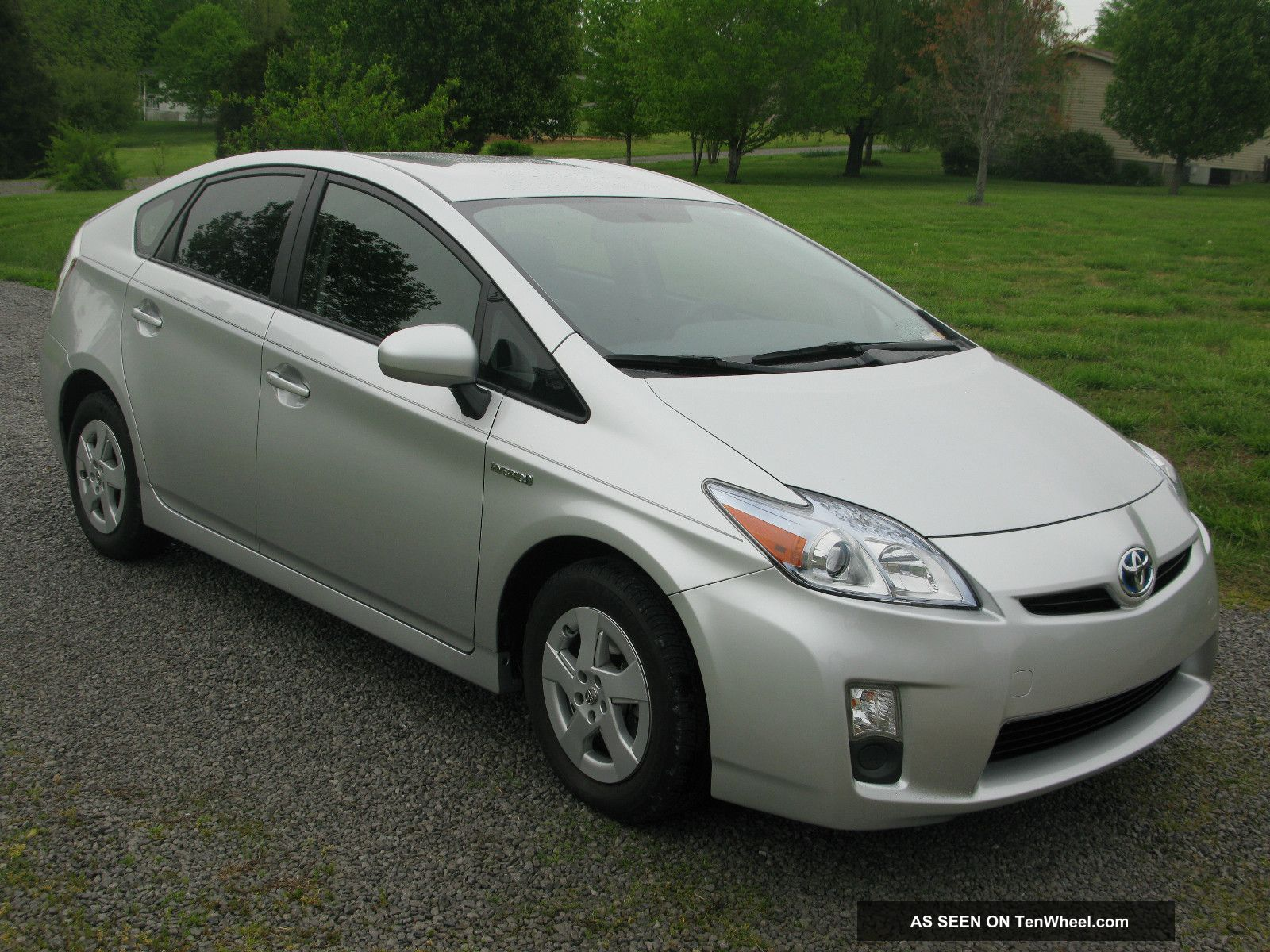 2011 toyota prius iii. Black Bedroom Furniture Sets. Home Design Ideas