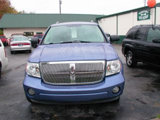 2007 Dodge Durango Slt Sport Utility 4 - Door 4.  7l Pretty Blue Third Row Seating photo